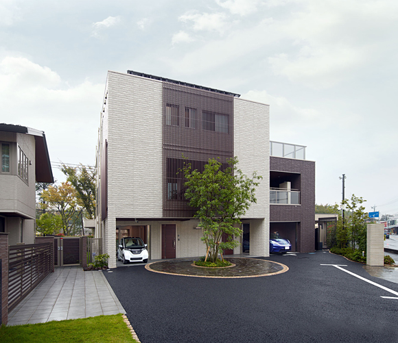 Sekisui House, Toshiba, Honda - Smart House