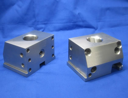 Kawashima Kinzoku Co., Ltd. - Square-shaped mold parts(Hardening)