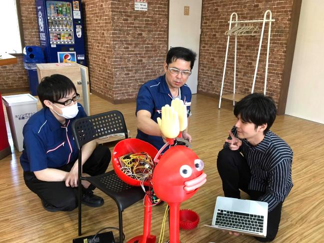 Meeting with Takaha Kiko Staff and Takahashi