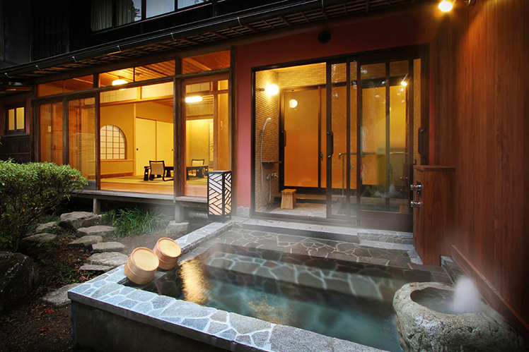Gero Onsen - Yunoshimakan - MOMIJI with open air-bath