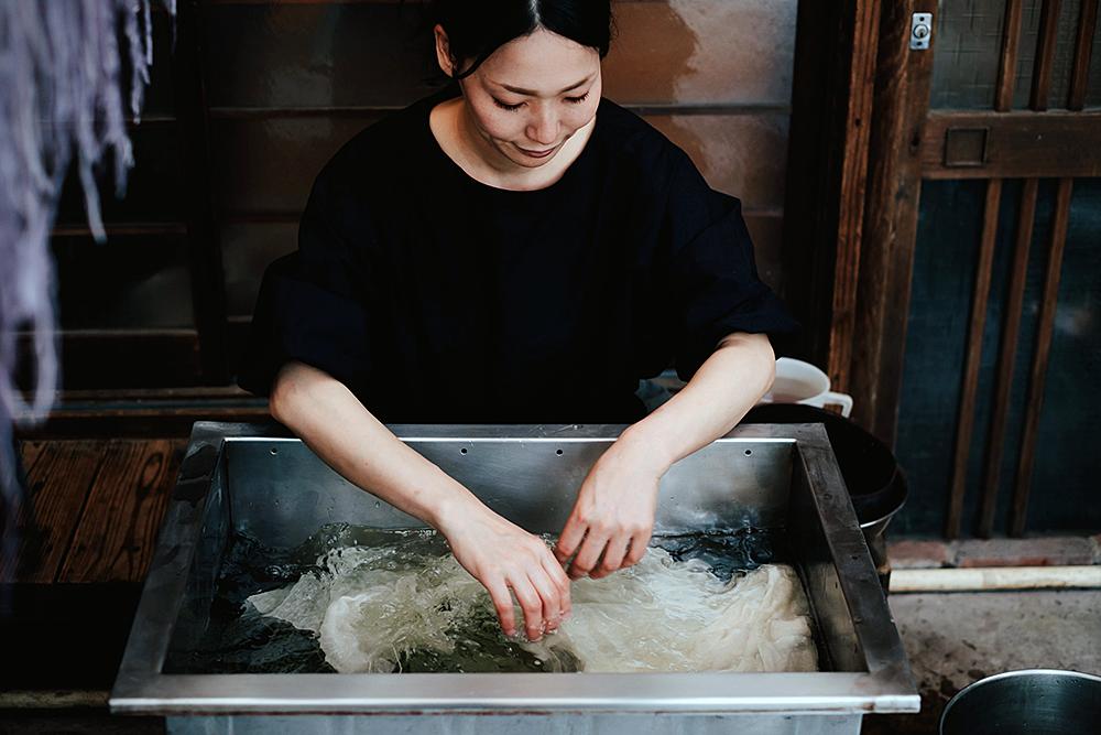 """IS JAPAN COOL?"""" - """"CRAFTSMANSHIP"""": Artisan of Japanese dyeing"""