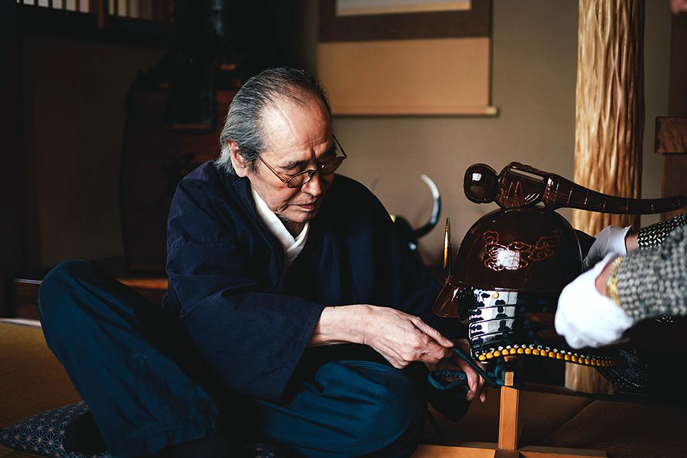 """IS JAPAN COOL?"""" - """"CRAFTSMANSHIP"""": Japanese armor-maker"""