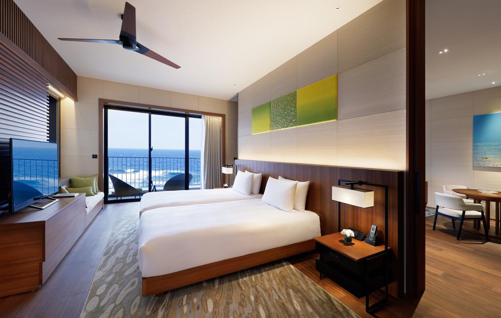 04 - Hyatt Regency Seragaki Island Okinawa - Room 02