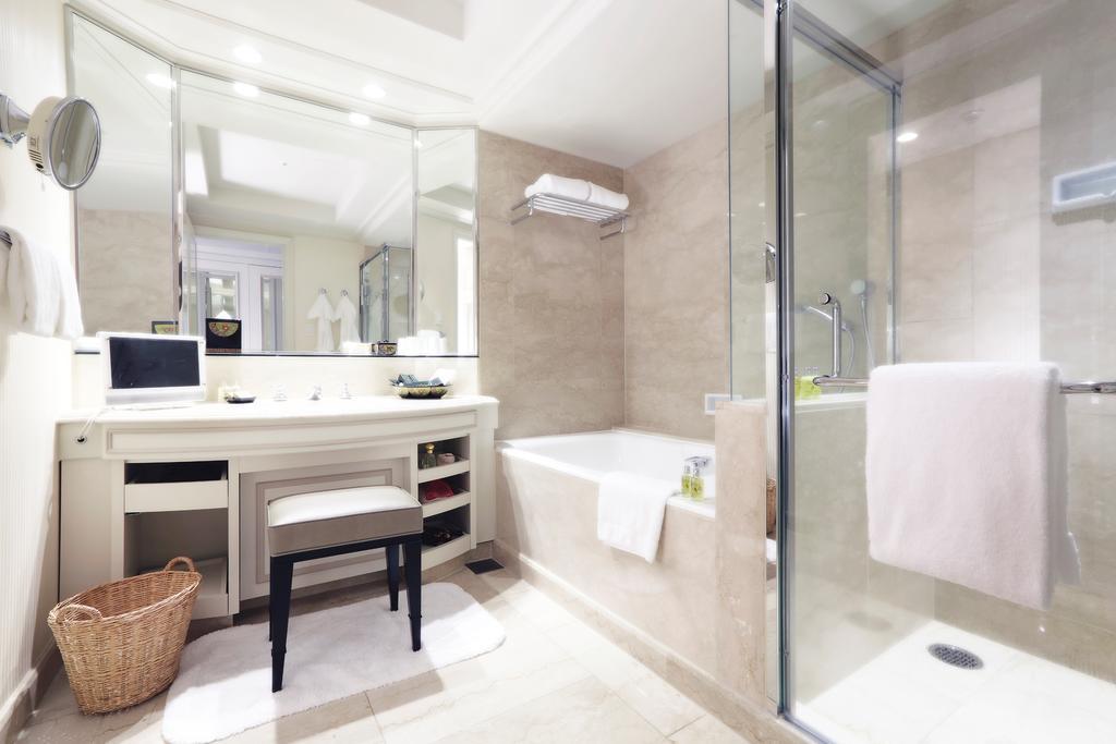 Hotel Chinzanso Tokyo - Shower Room