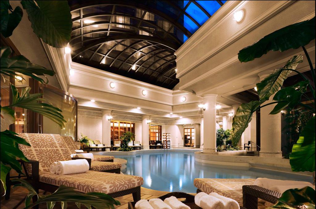 Hotel Chinzanso Tokyo - Night Pool